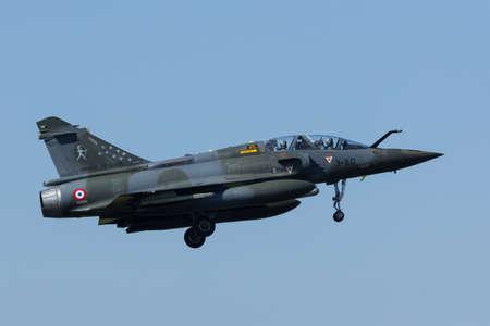 a mirage: Dassault Mirage 2000