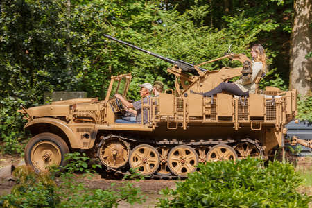 Demag Sd.Kfz.10 with FLAK 38 Editorial