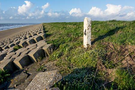 tortillera: dique fortificaci�n en la costa holandesa