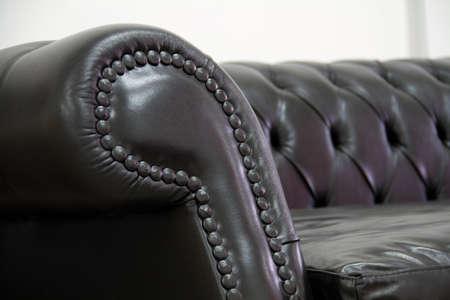 chesterfield: Armrest leather sofa