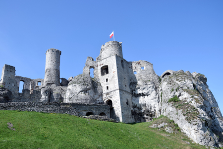 "Ogrodzieniec, Poland - May 2018: Ruins of Ogrodzieniec castle, ""Trail of the Eagle's Nests"", Poland. Stock fotó"