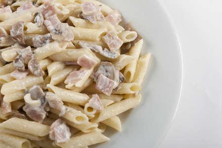 macaroni carbonara photo