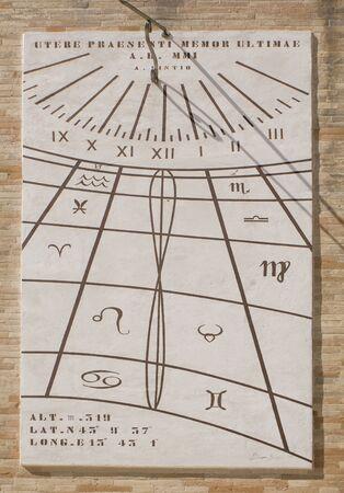 cadran solaire: Cadran solaire