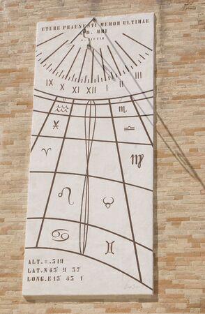 reloj de sol: Reloj de sol