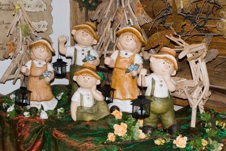 trinket: Terracotta statues