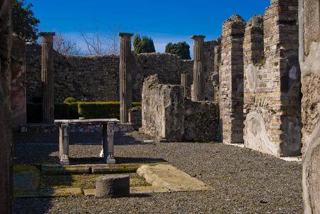 anforas: Las excavaciones arqueológicas de Pompeya, Italia