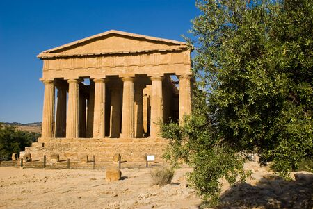 telamon: Temple of Concordia in the Valley of the Temples, Agrigento in Italy Stock Photo