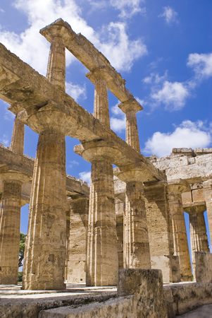 Temple of Neptune in the archaeological site of Paestum, Italy Standard-Bild