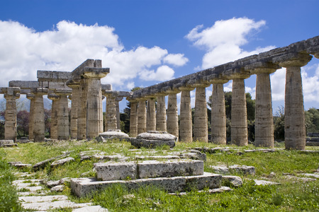 Temple of Hera in the archaeological site of Paestum, Italy Imagens