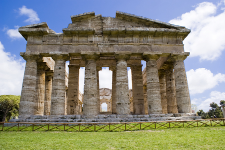 Temple of Neptune in the archaeological site of Paestum, Italy Archivio Fotografico