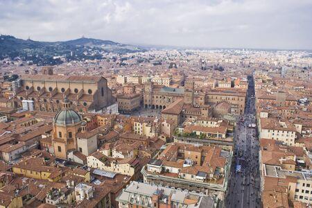 Vista panorámica de Bolonia desde lo alto de la torre Asinelli, Italia Foto de archivo