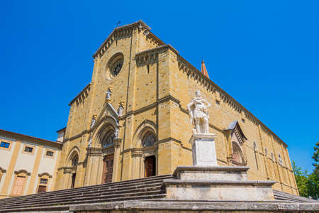 Tuscany - Italy: Arezzo Cathedral (Cattedrale di Ss. Donato e Pietro). Its a Roman Catholic cathedral in the city of Arezzo in Tuscany, Italy. Banque d'images