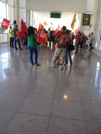 ugt: A view of a strike in the airport of Barcelona by ground workers Stock Photo