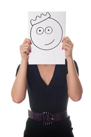 rey caricatura: Mujer joven con la sonrisa pintada en la corona de la hoja de papel sobre su rostro aislado en blanco Foto de archivo