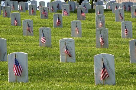 Memorial Day ist US Federal Holiday, dass beobachtet wird am letzten Montag im Mai. Dieser Feiertag erinnert an US-Männer und Frauen, die gestorben sind in militärischen Dienst an ihrem Land Standard-Bild - 3129407