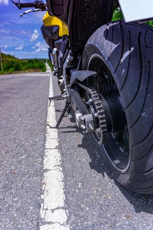 バイクの路上駐車場
