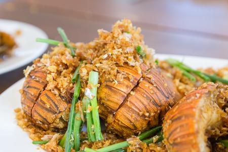 flathead: Thenus fried with garlic