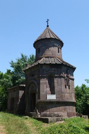 Herstelde kleine ronde kapel van Makaravank
