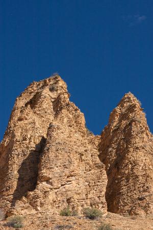 Twee beige rotsvormingen in nationaal de reservepark van Khosrov van Armenië