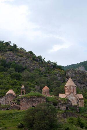 Het klooster van Dadivank verborgen in Armeense bergen