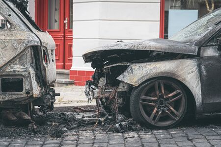 Burned out cars in the streets of Berlin 版權商用圖片