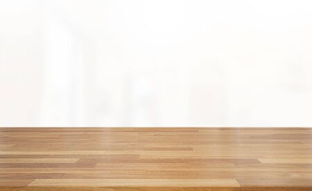 Empty wooden table and white interior background. Ready for product montage Standard-Bild - 137140618