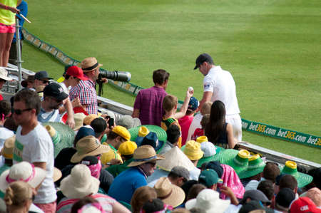 seekers: SYDNEY,AUSTRALIA - JANUARY 4: English cricketer Kevin Pietersen obliges autograph seekers in the 2nd day of the last Ashes Test at Sydney Cricket Ground,Australia on January 4, 2014
