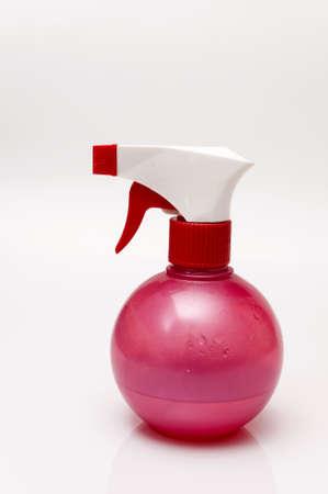 d�sinfectant: Rose pulv?risation de d?sinfectant liquide pour nettoyer Banque d'images