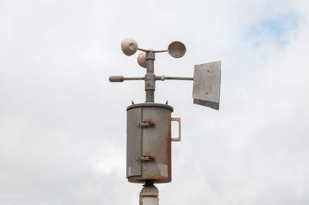 anemometer: weather station with anemometer and thermometer Stock Photo