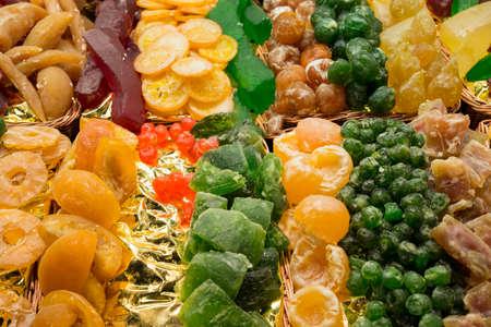 frutta candita di vari sapori e colori