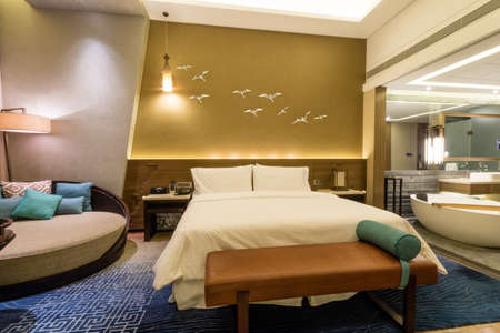 luxury bedroom: Luxury suite 5 star bedroom
