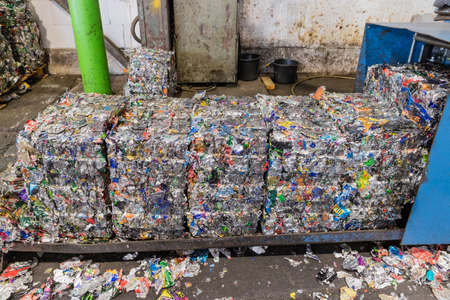 Aluminium cans recycling centers and its raw material as collection, preparation and transformation