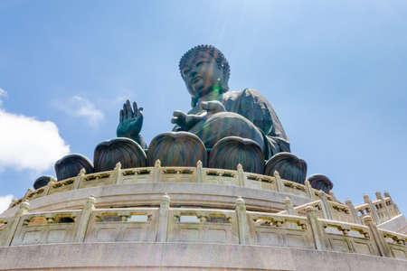 Hong Kong Big Buddha auf Lantau Island mit Seilbahnzugang Standard-Bild