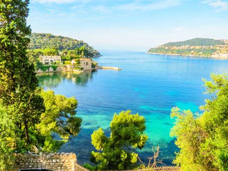 Bank of the Mediterranean Sea. Landscape of the Cote d'Azur, Villefranche-sur-Mer, France Foto de archivo