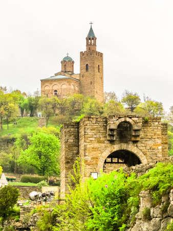 Ancient Tsarevets Fortress on hill top. Capital of the Second Bulgarian Kingdom. Veliko Tarnovo, Bulgaria Stock Photo - 127199053