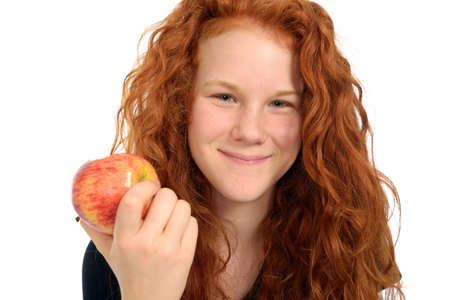 red haired girl: ragazza dai capelli rossi con la mela