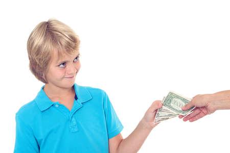 bolsa dinero: chico rubio preservar su dinero de bolsillo - de dólares