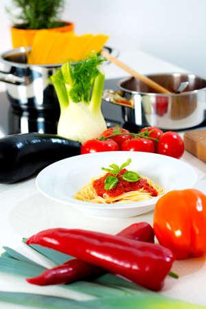 finocchio: Ancora la vita in cucina - il cibo colorato mediterran Archivio Fotografico