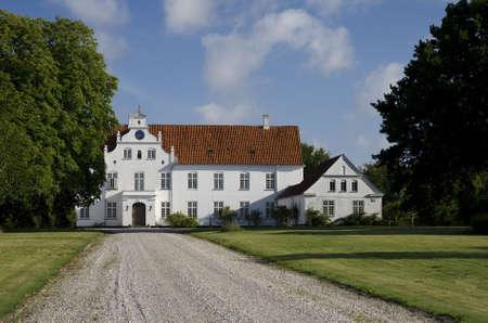 herrenhaus: Das Gutshaus in Vosnaesgaard in der N�he von Aarhus, D�nemark Lizenzfreie Bilder