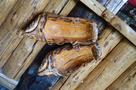 southern european: Wooden Shoes