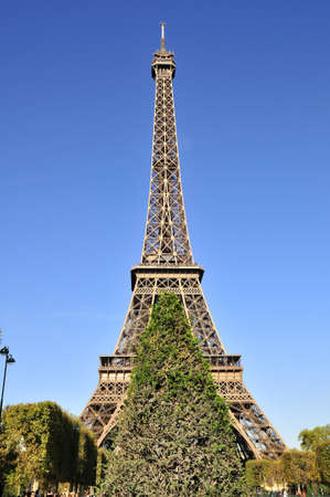 Eiffel tower is a one of the most recognizable structures in the world Stock Photo - 18962021