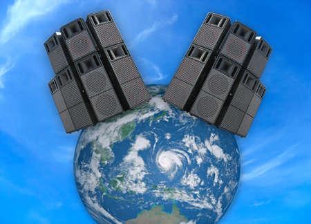 concerto: Antiguo poderosos etapa concierto altavoces de audio sobre la Tierra mundo