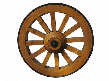 carreta madera: Rueda de carreta antigua de madera y hierro forrado, aislado sobre fondo blanco