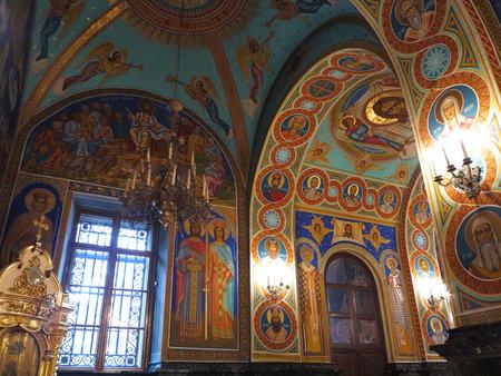 ornated: Oro ornata interno della chiesa ortodossa in Europa