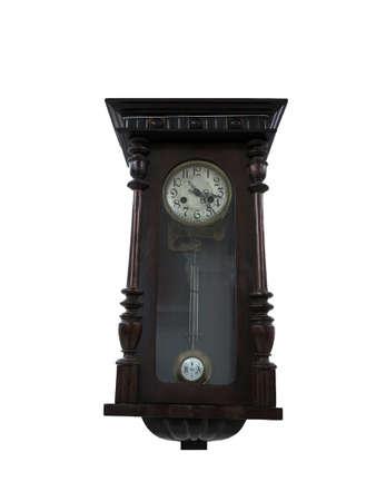 reloj de pendulo: 19th Century péndulo antiguo reloj de madera aislada en el blanco