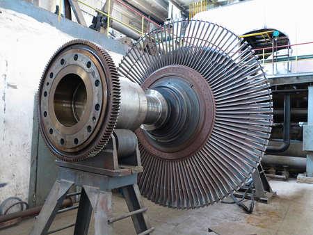turbina de vapor: Turbina de vapor generador de energ?a durante el proceso de reparaci?n de la central