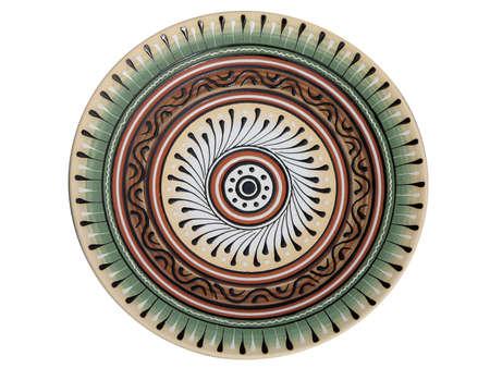 ornated: handmade piatto di ceramica ornato isolato su sfondo bianco