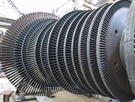 Turbina de vapor generador de energía durante el proceso de reparación de la central Foto de archivo - 25868422