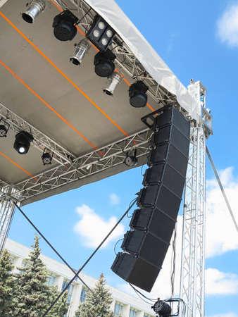 Structuren van het podium elektrische verlichting schijnwerpers apparatuur en luidsprekers