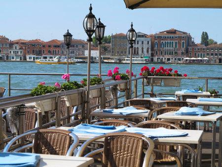 20.06.2017, 베니스, 이탈리아 : 대운하 전망이있는 고급 레스토랑. 에디토리얼